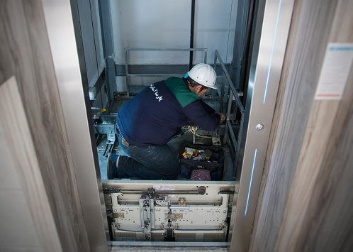 تعویض به موقع قطعات برای پیشگیری از خرابی آسانسور