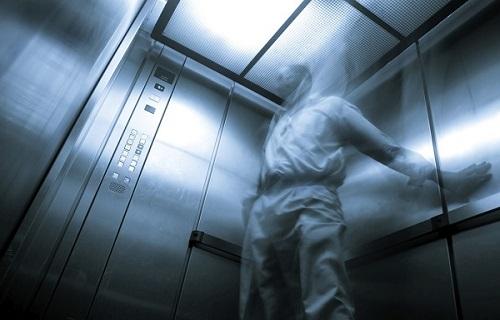 نشانه ها و دلایل ایجاد فوبیا یا ترس از آسانسور