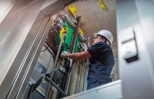 نصب و جایگذاری ریل ها در آسانسور کششی